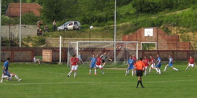 Pobede fudbalera iz Osečine, Pecke i G. Crniljeva