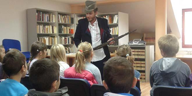 """U okviru """"Dečje nedelje"""": Osnovci u poseti Muzeju"""