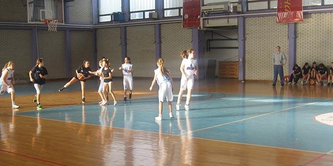KOŠARKA: Prva utakmica ženske ekipe
