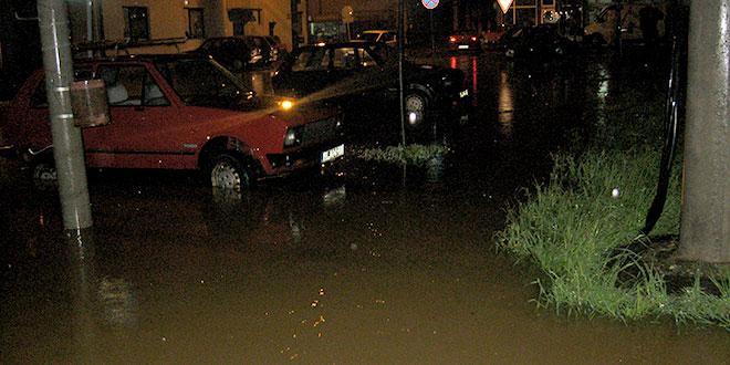 NA VIŠE MESTA U SLIVU JADRA: Poplava!!!