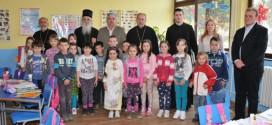 PECKA: Vladika Milutin posetio školu