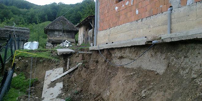VESTI SA TERENA: Neupotrebljivo 11 kuća