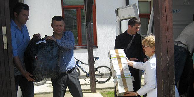 NOVI PAKETI POMOĆI: Podrška Valjevske eparhije i pobratimske opštine Zubin Potok sa Kosova