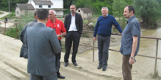 MINISTAR VELIMIR ILIĆ: Do oktobra niko bez krova nad glavom
