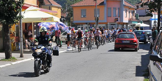 """KZM opštine Osečina i BK Crvena Zvezda organizuju akciju pod nazivom """"Biciklom u saobraćaju"""""""