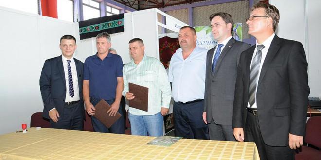 Потписан уговор за извоз 500 тона суве шљиве
