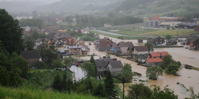 ОРГАНИЗАЦИЈА ЗА ХРАНУ И ПОЉОПРИВРЕДУ: Још стиже помоћ за поплављене