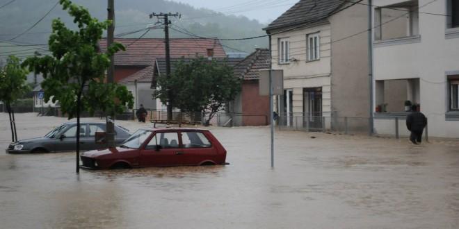 Јадар и притоке потопили долине и покренули брда